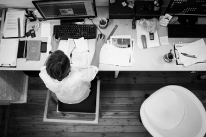 6 tips for decluttering your office workspace - office cleaning tips